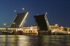 podnoszenie mostu pałacu Zdjęcia Royalty Free
