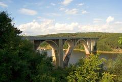 Podolsko或podolsky桥梁在伏尔塔瓦河河,捷克共和国 库存图片