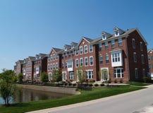 podpalani ceglani mieszkań własnościowych rzędu okno Obraz Stock