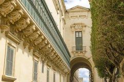 Podpalani okno w Grandmaster pałac, Valletta zdjęcia royalty free
