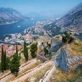podpalany forteczny kotor Montenegro widok Fotografia Stock