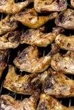 Podpiekać kurczak ćwiartki na grilla grillu obraz stock