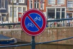 Podpisuje dla rower ścieżki i motocykl dla zaprzecza obraz royalty free