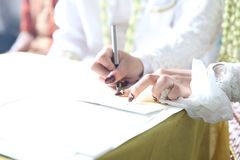 Podpisywania małżeństwa świadectwo obraz royalty free
