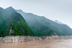 Podróż jangcy wzdłuż gór Obraz Royalty Free