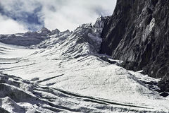 Podróż przez Altai gór Aktru Wycieczkować śnieżni szczyty Altai góry Przetrwanie w srogich warunkach, piękna natura Obrazy Stock