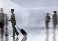 Podróżna grupa ludzie biznesu z przemiany tłem Fotografia Stock
