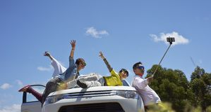 Podróżnicy bierze fotografię themselves obrazy stock