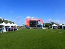 Podróżomanii O'ahu festiwalu booths i scena Obraz Royalty Free