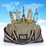 Podróżuje światowego zabytek torby pojęcie Fotografia Royalty Free
