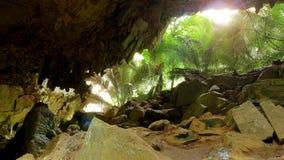 Podróżuje jamę w patata parku narodowym Hup, Uthaithani prowincja, Tajlandia Obrazy Royalty Free