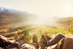 Podróży turystyki przyjaźni gór nóg pojęcie Zdjęcia Stock