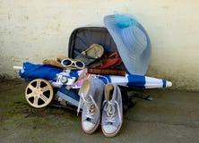 Podróży walizka z Ekranowym paskiem fotografia royalty free