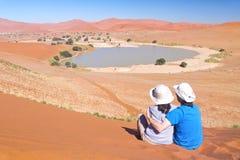 Podróżnicy w Afryka, para na romantycznym wakacje Obraz Royalty Free