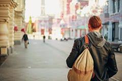 Podróż przez ulic Europejski miasto zdjęcie stock