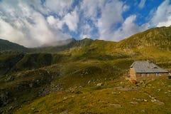 Podragu Jeziorny Caban w Rumunia Fotografia Royalty Free