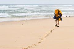 podróżny na plaży Obraz Royalty Free