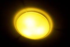 Podsufitowa lampa na czerni Zdjęcia Stock