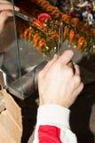 Poduction χειροτεχνιών των χεριών αριθμού γυαλιού Στοκ Φωτογραφίες