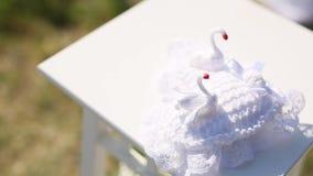 Poduszka dla pierścionków z łabędź Ślubne dekoracje Poślubiać w Mon zdjęcie wideo