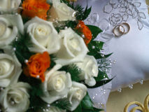 poduszka dzwoni ślubnego biel Zdjęcie Royalty Free