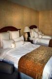 podwójne łóżko zdjęcia royalty free