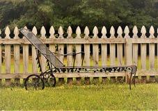 Podwórza krzesło ogrodowe obrazy stock