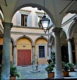 Podwórze średniowieczny dom w Florencja, Włochy fotografia royalty free