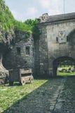 Podwórze średniowieczny kasztel w Ukraina zdjęcie stock