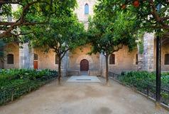 Podwórze Barcelona biblioteka, ogrodowy De Rubio ja Lluchin zdjęcie royalty free