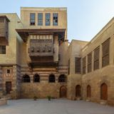 Podwórze El Razzaz dom, Mamluk ery historyczny dom lokalizować przy Starym Kair, Egipt fotografia royalty free