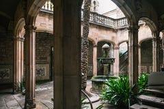 Podwórze gothic budynek w Barcelona zdjęcia stock
