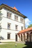 Podwórze i pałac kasztel w Jindrichuv Hradec zdjęcie stock