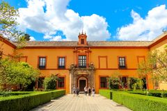 Podwórze Królewski Alcazar Seville Istny Alcazar de Sevilla zdjęcie stock