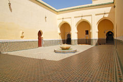 Podwórze mauzoleum Moulay Ismail w Meknes Obrazy Royalty Free