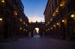 Podwórze między arche parlamentu dom Riksdag, Sztokholm, obraz stock