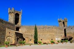 Podwórze Montalcino forteca w Val d ` Orcia, Tuscany, Włochy Obraz Stock