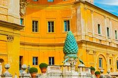 Podwórze Sosnowy rożek w Watykan zdjęcia royalty free
