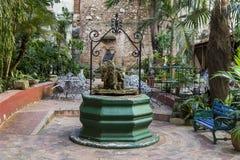 Podwórze stary kolonisty dom - Kuba obrazy stock