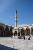Podwórze sułtan Ahmet Camii Obraz Stock