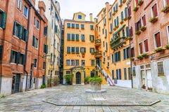 Podwórze w Wenecja, Włochy zdjęcia royalty free