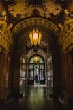 Podw?rze stary dziejowy budynek w Budapest mie?cie, W?gry obrazy royalty free