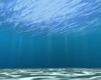 Podwodna scena z jasną błękitne wody i białym piaskiem obrazy stock