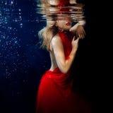 Podwodnego portreta ot młode piękne dziewczyny Fotografia Royalty Free
