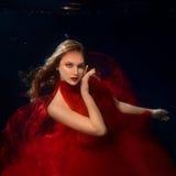 Podwodnego portreta ot młode piękne dziewczyny Obrazy Stock