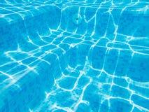 Podwodni pływackiego basenu kroki Zdjęcia Stock