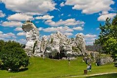PODZAMCZE, POLSKA, 21 2016 Lipiec: Skały blisko królewskiego grodowego Ogrodzieniec Obraz Stock