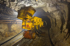 Podziemnej kopalni złota rudna ładownicza maszyna Obrazy Royalty Free