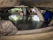 Podziemny budynek z astronautycznym tłem obraz royalty free