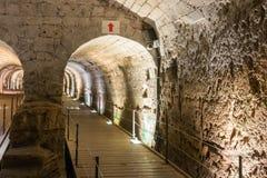 Podziemny tunel budował rycerza templariuszem, przechodzi pod fortecą w starym mieście akr w Izrael Obraz Royalty Free